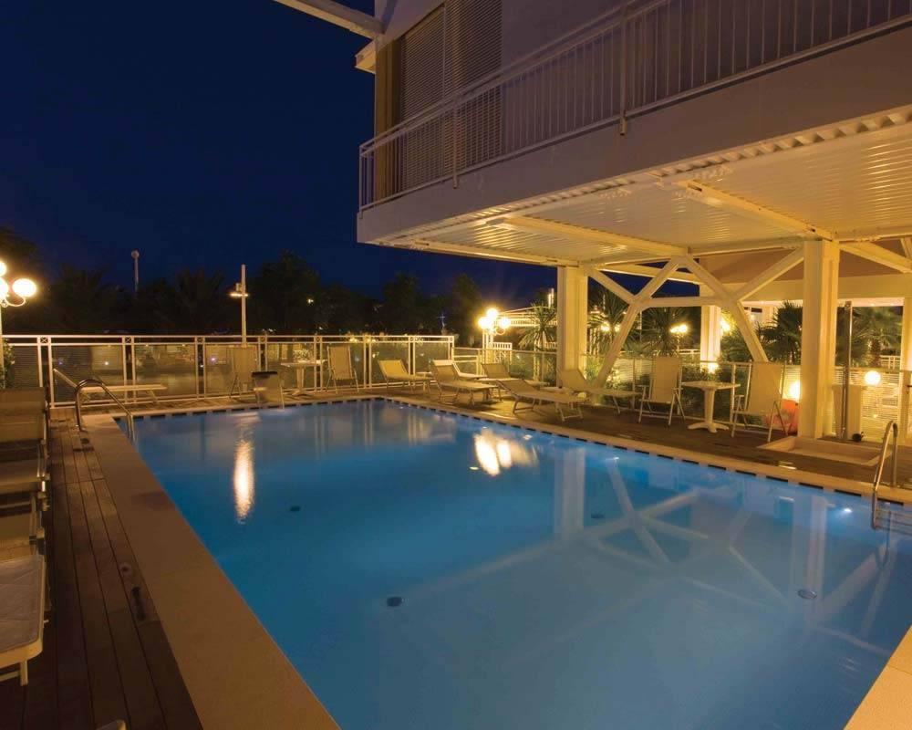 Una vacanza 4 stelle con piscina al roma di riccione - Hotel piscina roma ...
