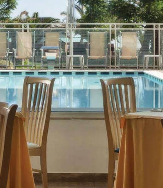 Ristorante stellato con vista piscina, aperto pranzo e a ...